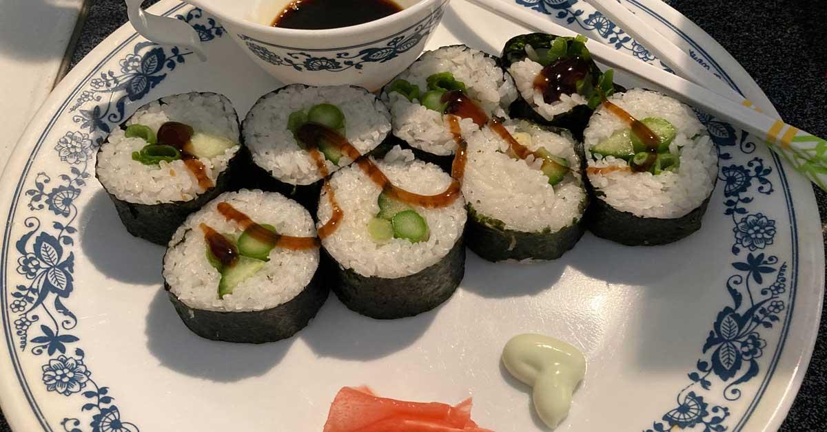 Make Delicious Vegan Sushi at Home Easily 7